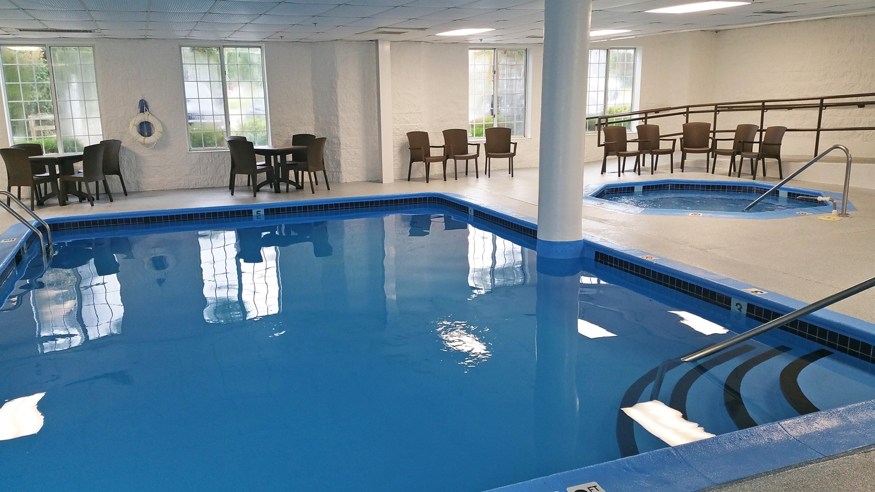 Indoor Pool and Hot Tub at our Charlevoix hotel