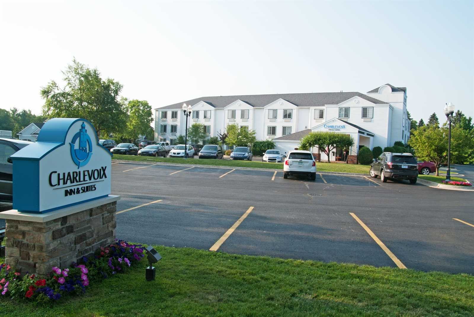 A Clean and Comfortable Northern Michigan Hotel